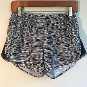 Nike Wavy Stripe Running Shorts